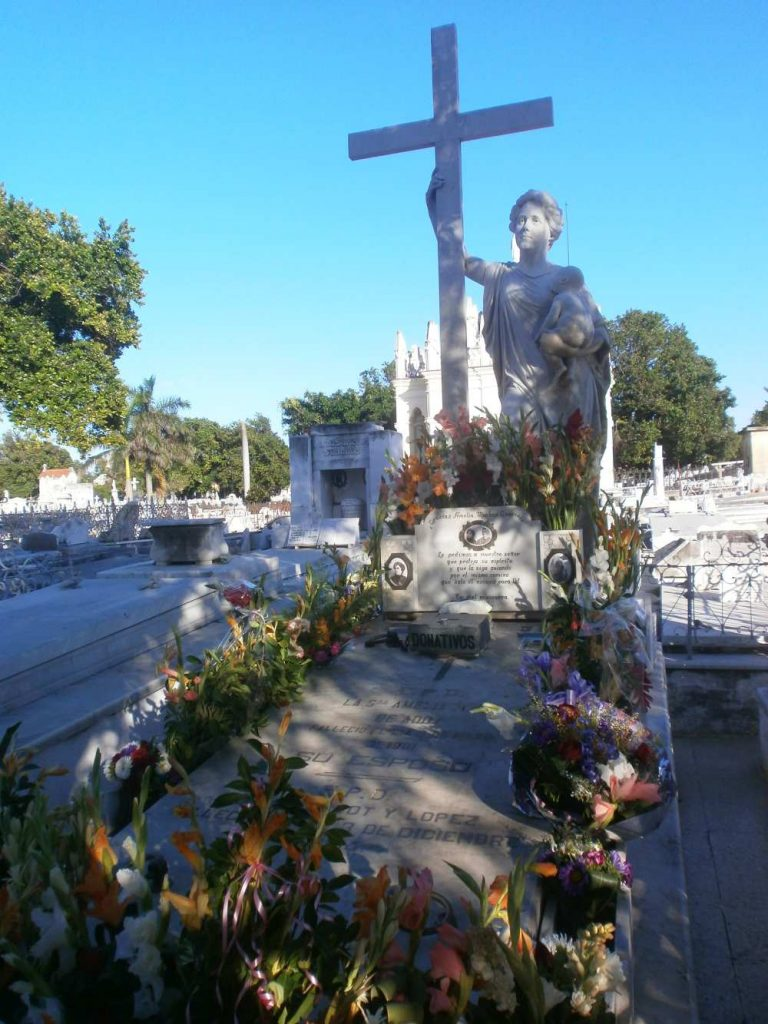 Colon Cemetery La Milagrosa