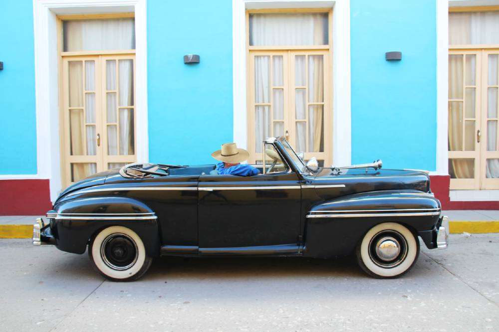 How to rent a classic car in Havana